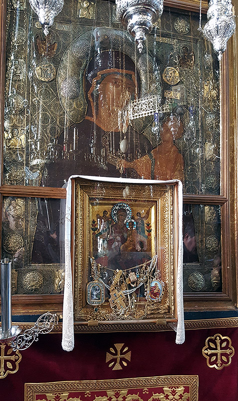 Чудотворната икона на Пресвета Богородица Всецарица в манастира Ватопед
