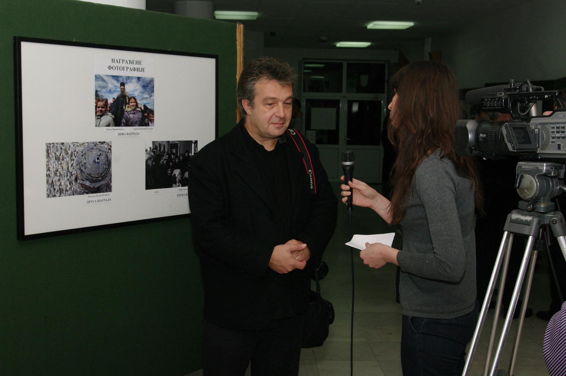 В Беочин - интервю за новосадска телевизия, след награждаването в конкурса