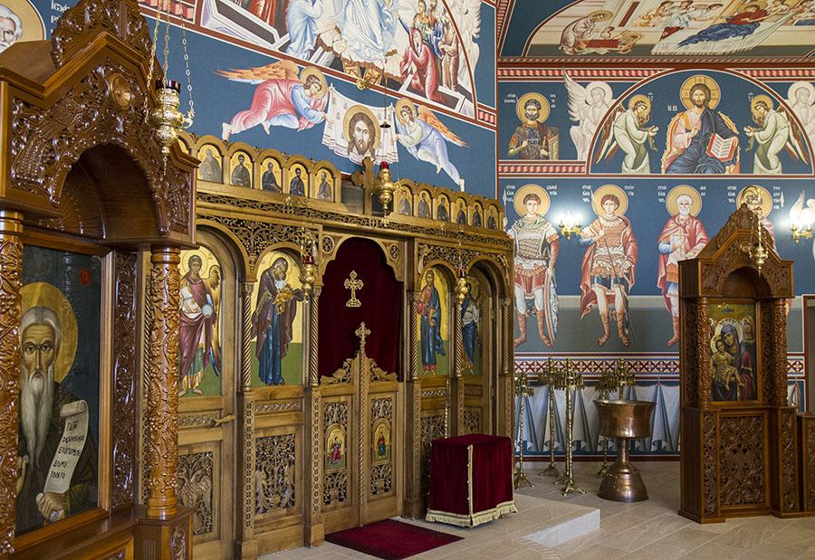 В българския храм Преп. Иоан Рилски във Виена (в навечерието на освещаването му)