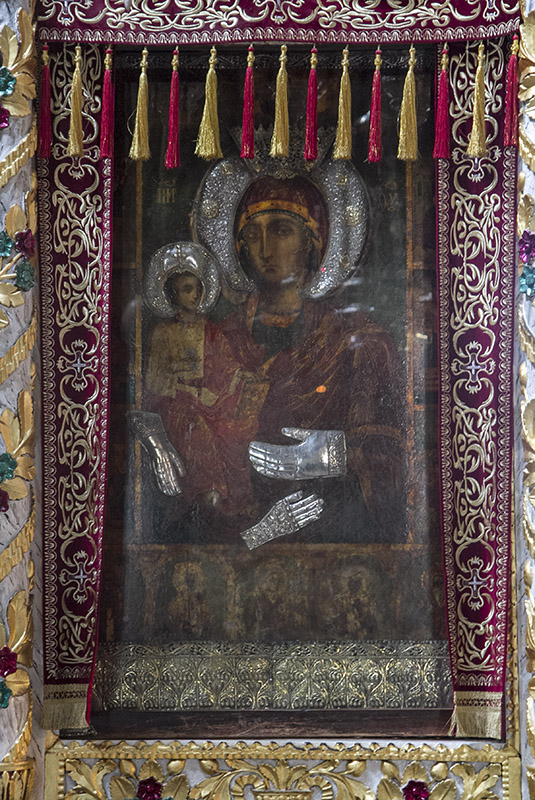 Троянската чудотворна икона на Пресвета Богородица - Троеручица