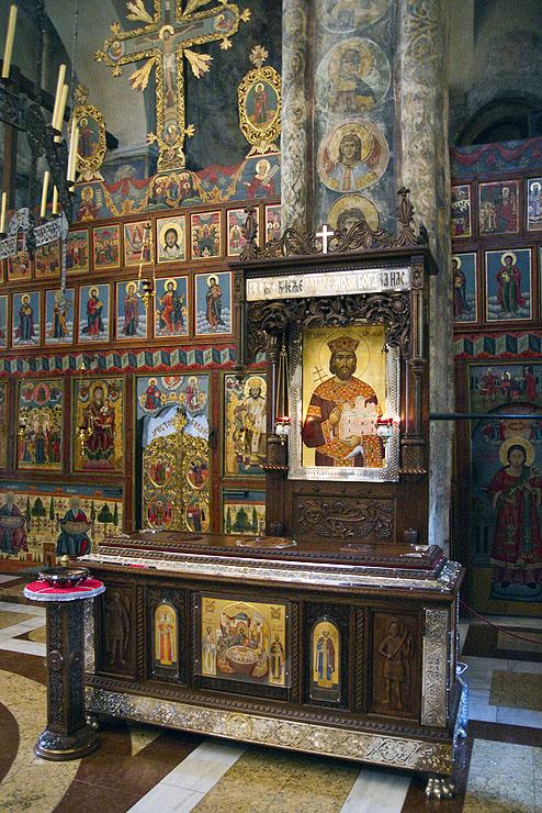В църквата в Раваница - мощите на св. княз Лазар